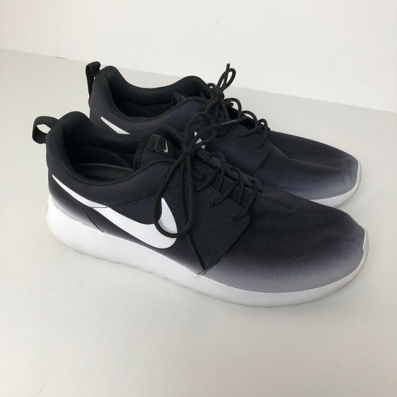 6916f2e3dc5 Nike Roshe Run Black White Ombre Print Shoes RARE.  M 5a9f17ad9d20f0dd68ace1f9